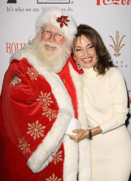 susan-lucci-2009-hollywood-christmas-parade-6